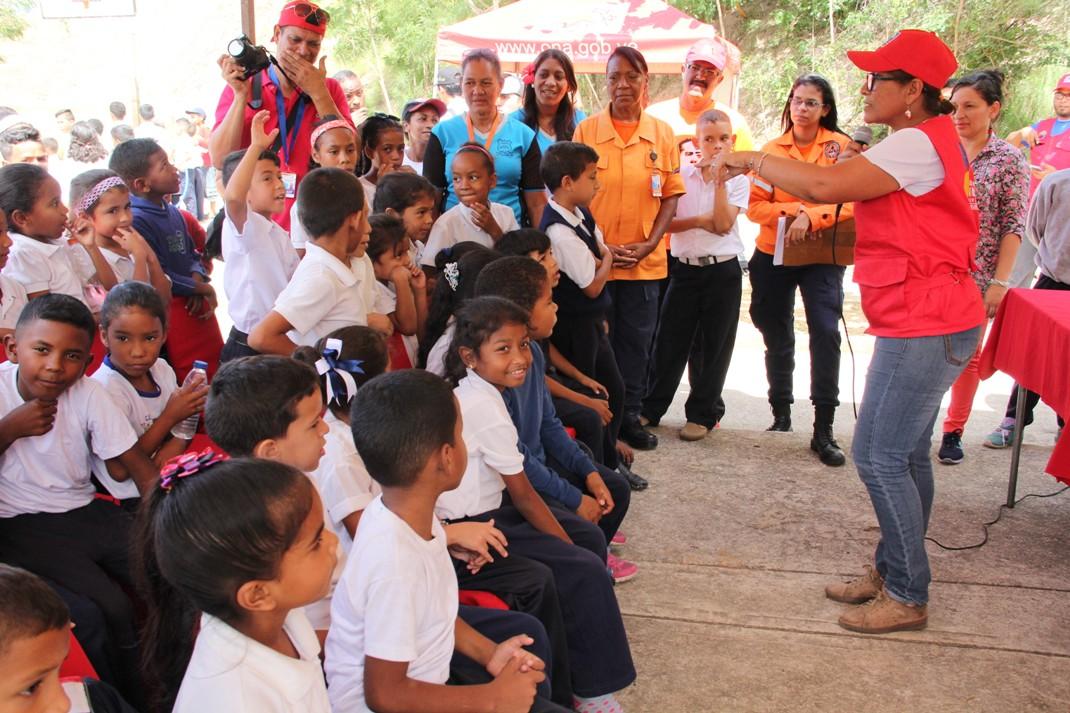 ONA realizó clínica de baloncesto para estudiantes de Ciudad Belén (15)