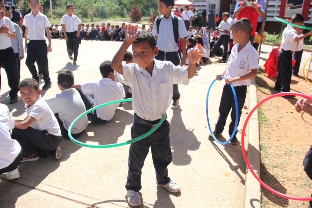 ONA realizó clínica de baloncesto para estudiantes de Ciudad Belén (5)