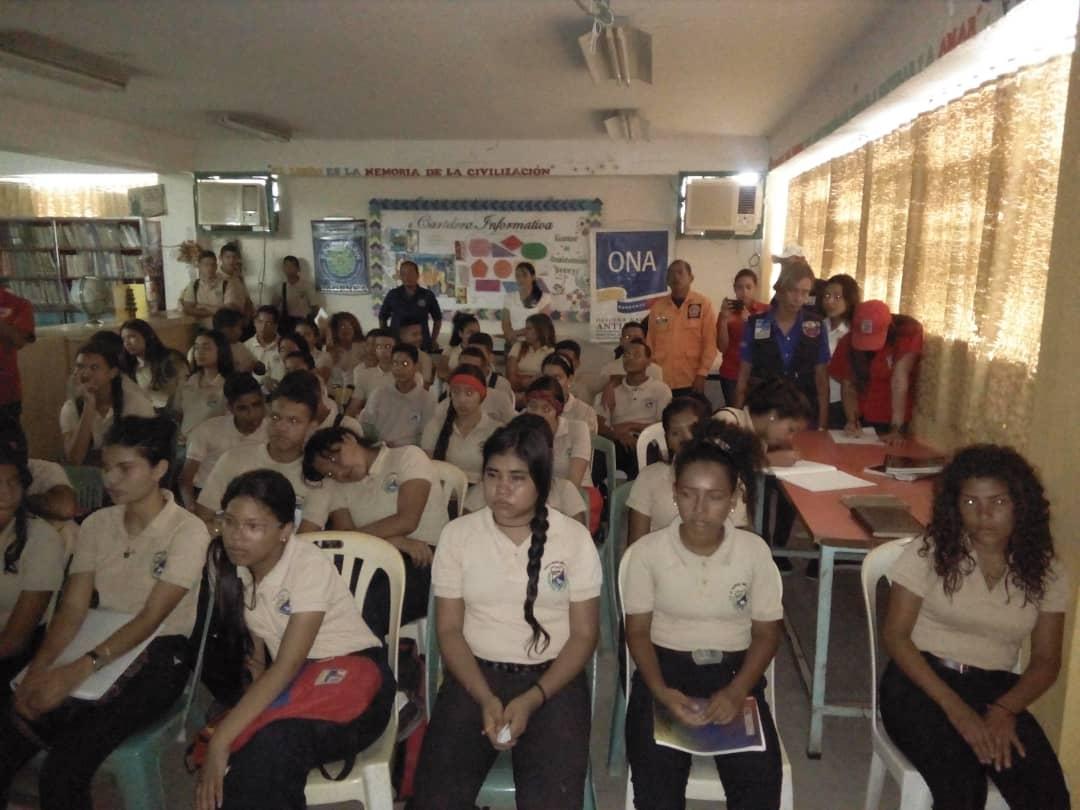 Senades benefició con cine foro a 286 estudiantes en Monagas (3)
