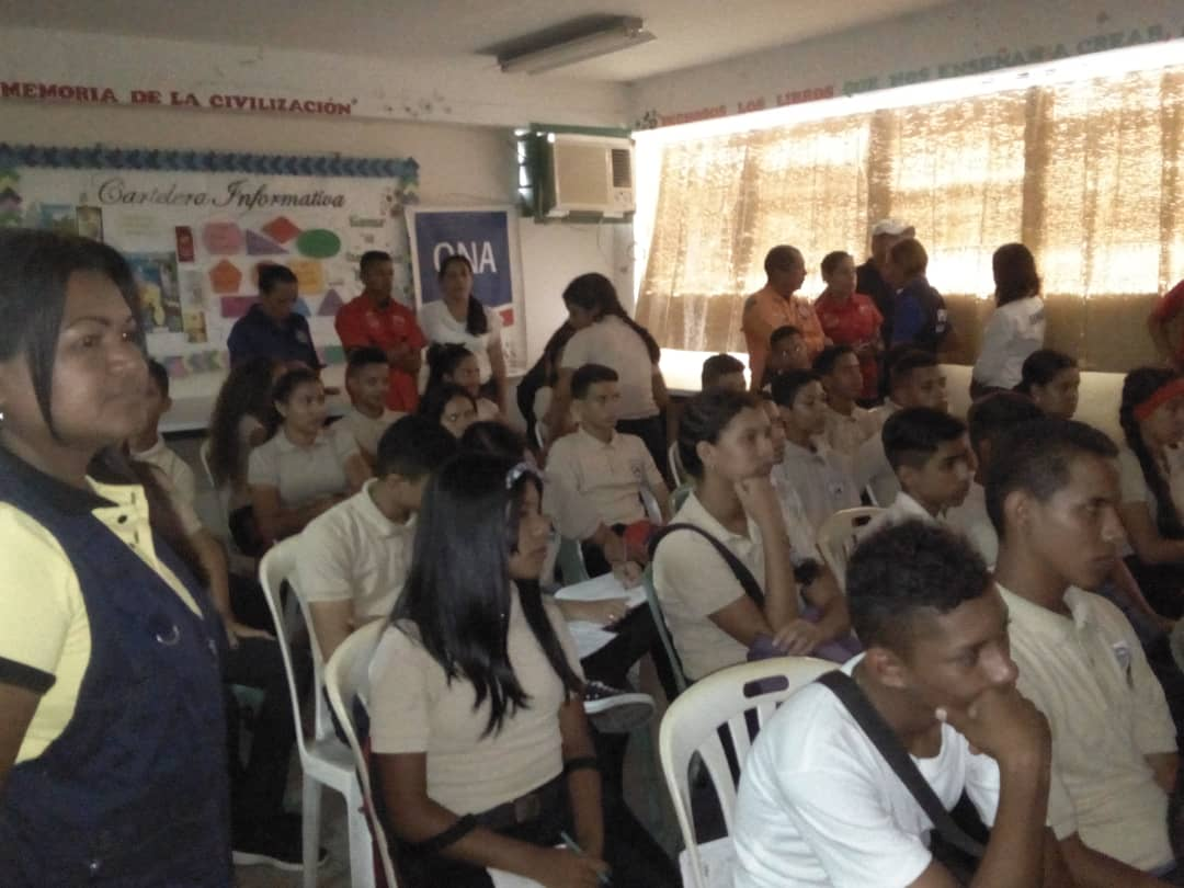 Senades benefició con cine foro a 286 estudiantes en Monagas (6)