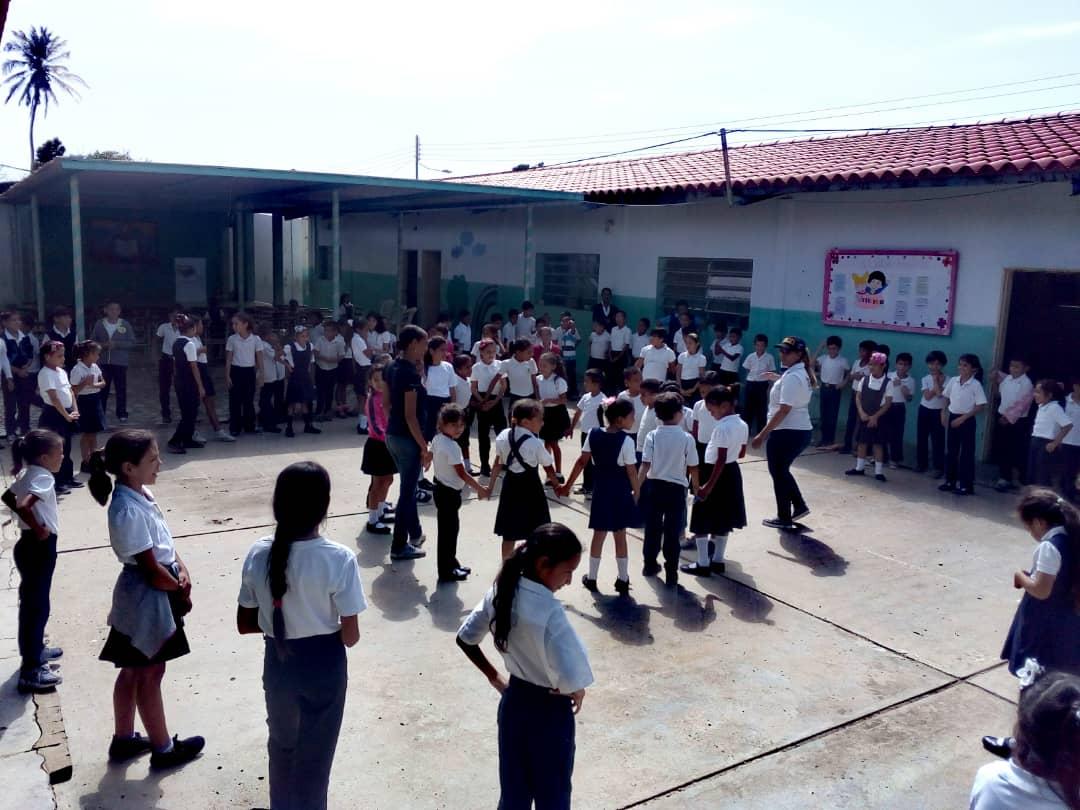 Senades promueve valores a más de 130 estudiantes de la E.B Vía Santa Ana en Falcón (7)