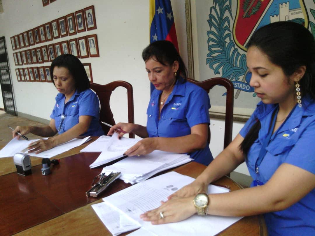Trabajadores del Consejo Legislativo fueron beneficiados por el Saren en Yaracuy (4)