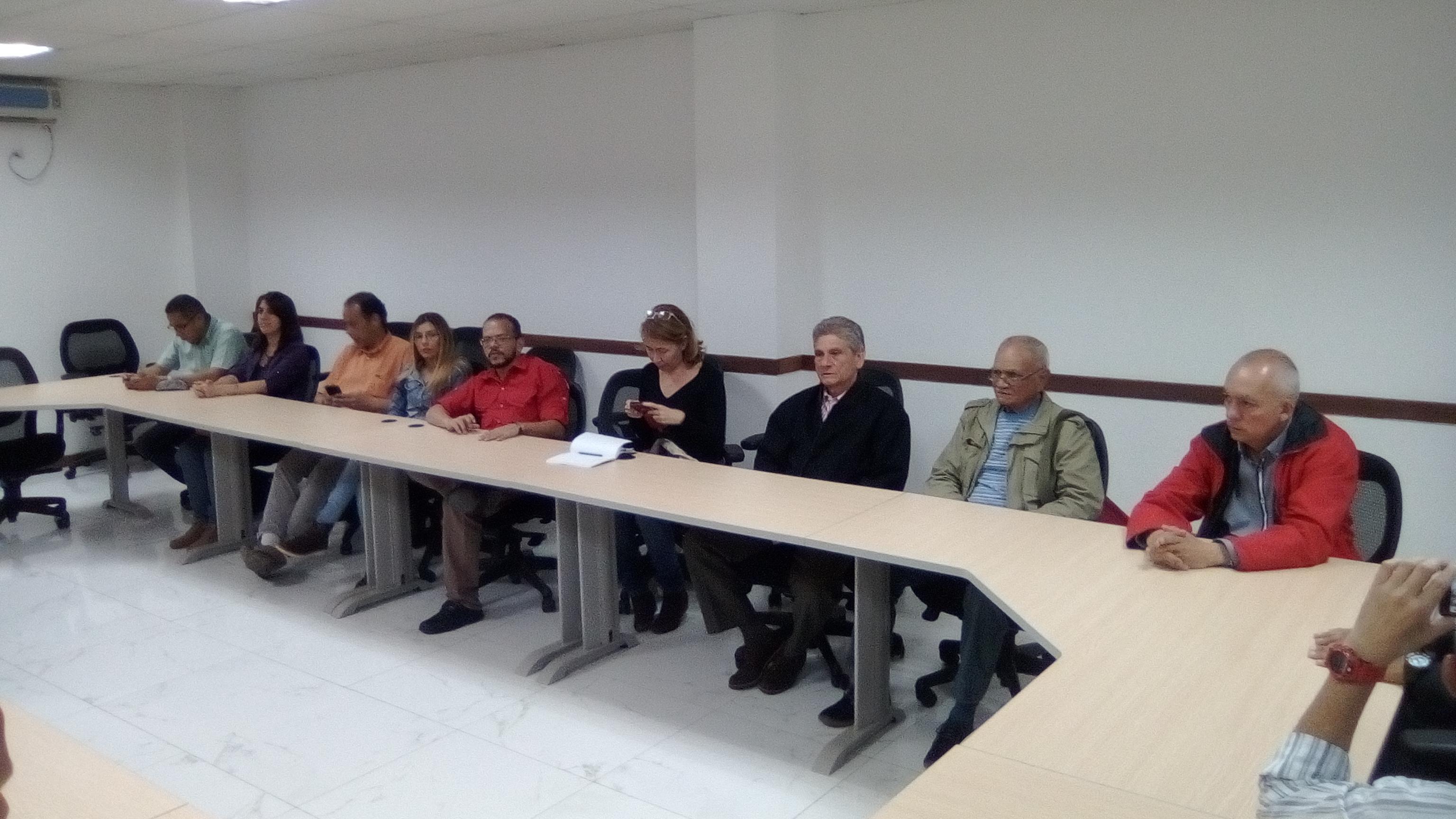 Unes y HUC suscriben convenio de cooperación interinstitucional (4)