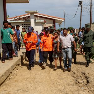 Atendidas más de 200 familias en el municipio Indígena Bolivariano Guajira tras fuertes precipitaciones (9)