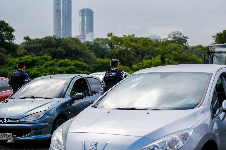 Cicpc inició dispositivo de revisión de vehículos en Caracas (12)