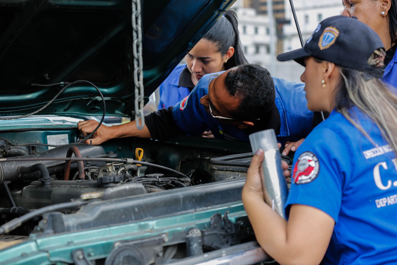 Cicpc inició dispositivo de revisión de vehículos en Caracas (4)