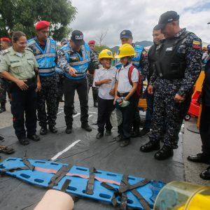 Despliegue del Servicio de la Policía Comunal en el eje Guarenas –Guatire (11)