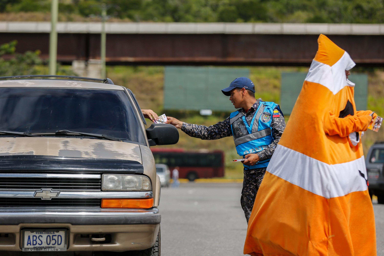 Despliegue del Servicio de la Policía Comunal en el eje Guarenas –Guatire (9)