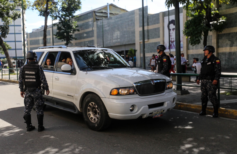Dos solicitados fueron aprehendidos durante despliegue de seguridad en Santa Rosalía (3)