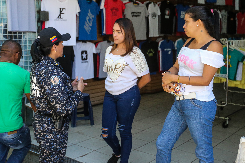 Dos solicitados fueron aprehendidos durante despliegue de seguridad en Santa Rosalía (7)