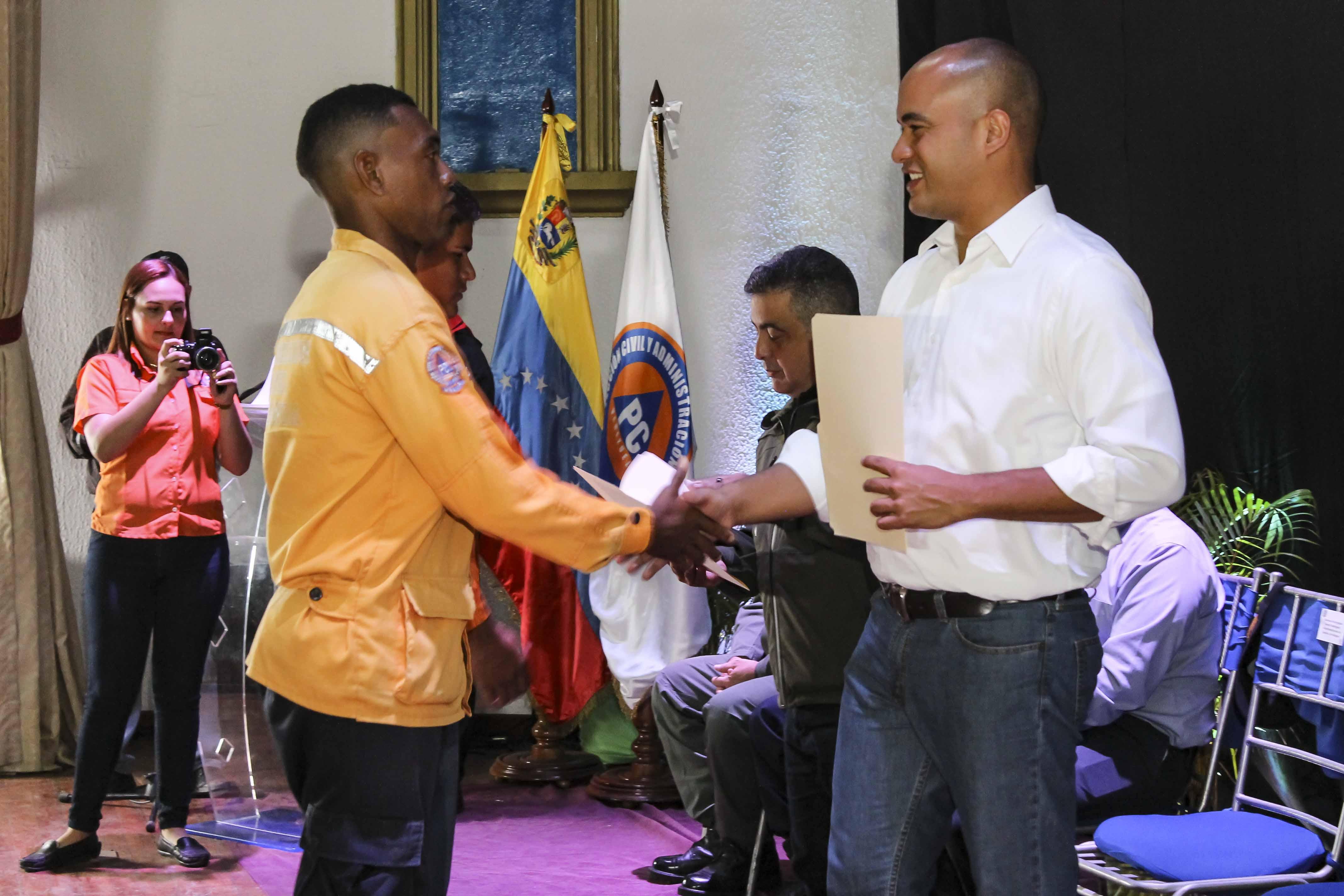 Gobernación de Miranda entregó jerarquías a 160 funcionarios de PC (1)