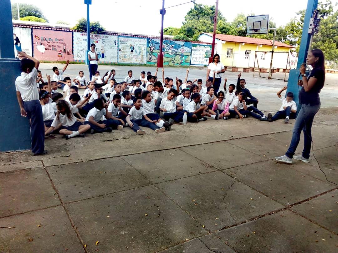 No a la Violencia dijeron 85 estudiantes de la U.E. Virginia Gil de Hermoso en Falcón (6)