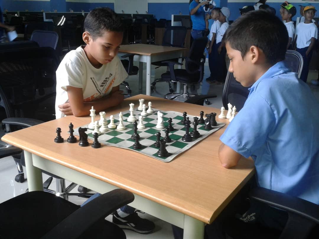 Senades fomenta cultura y deporte en Gran Base de Misiones Hugo Chávez Frías en Cumaná (7)