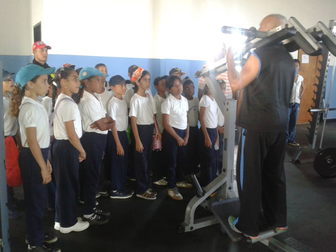 Senades fomenta cultura y deporte en Gran Base de Misiones Hugo Chávez Frías en Cumaná (9)