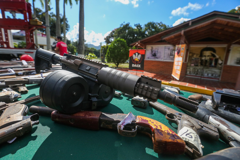 Senades inutilizó mil 311 armas de fuego en la sede del Daex de Fuerte Tiuna (2)