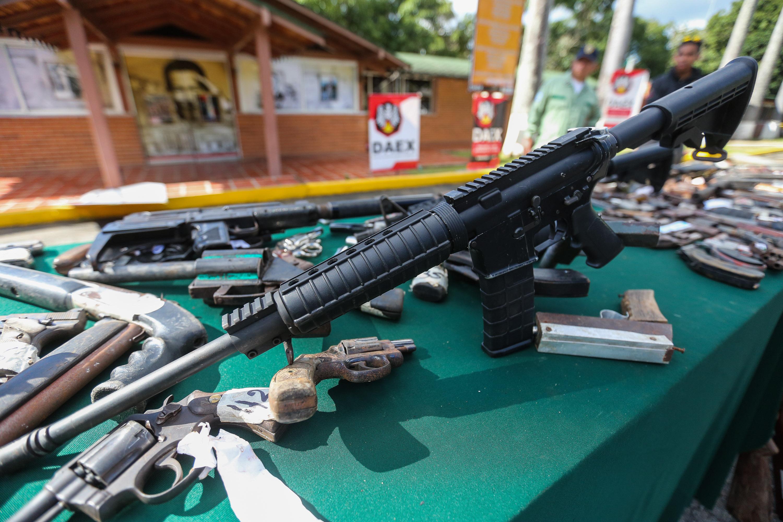 Senades inutilizó mil 311 armas de fuego en la sede del Daex de Fuerte Tiuna (5)