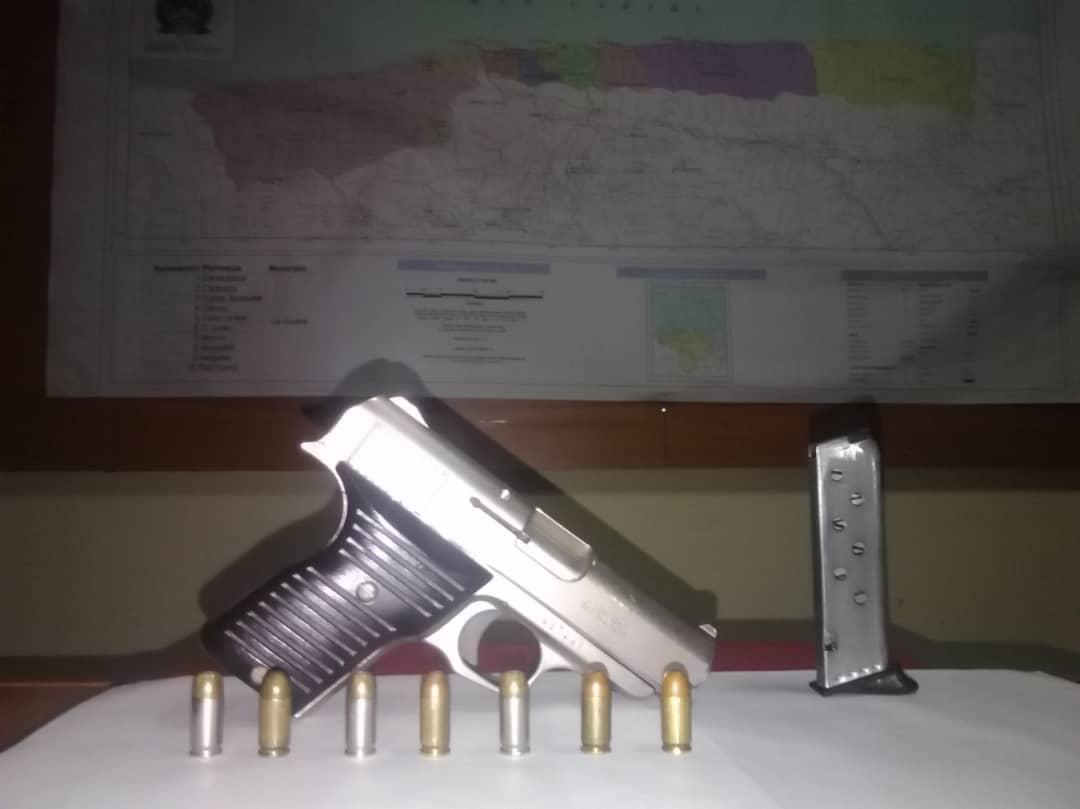 Un detenido por porte ilícito en local comercial del estado Vargas (2)