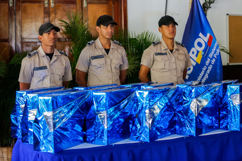 CUERPOS DE POLICIA PRESENTAN PROYECTOS IMNOVADORES (13)
