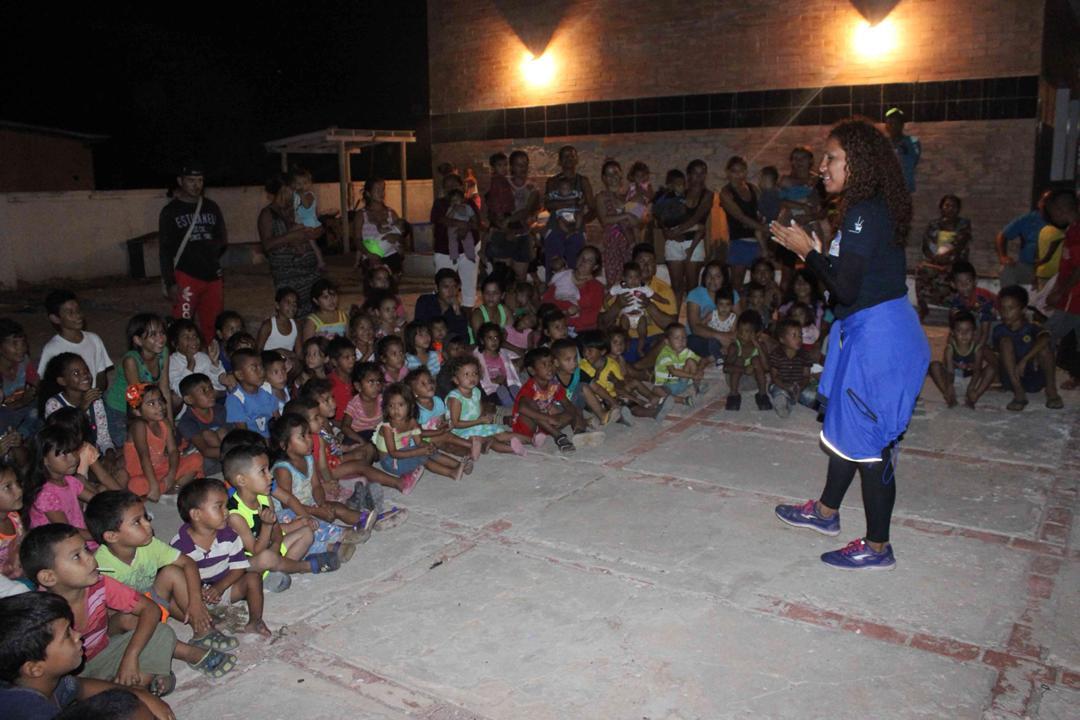 Con velada navideña en Isla de San Carlos niños disfrutaron de entrega de juguetes (1)