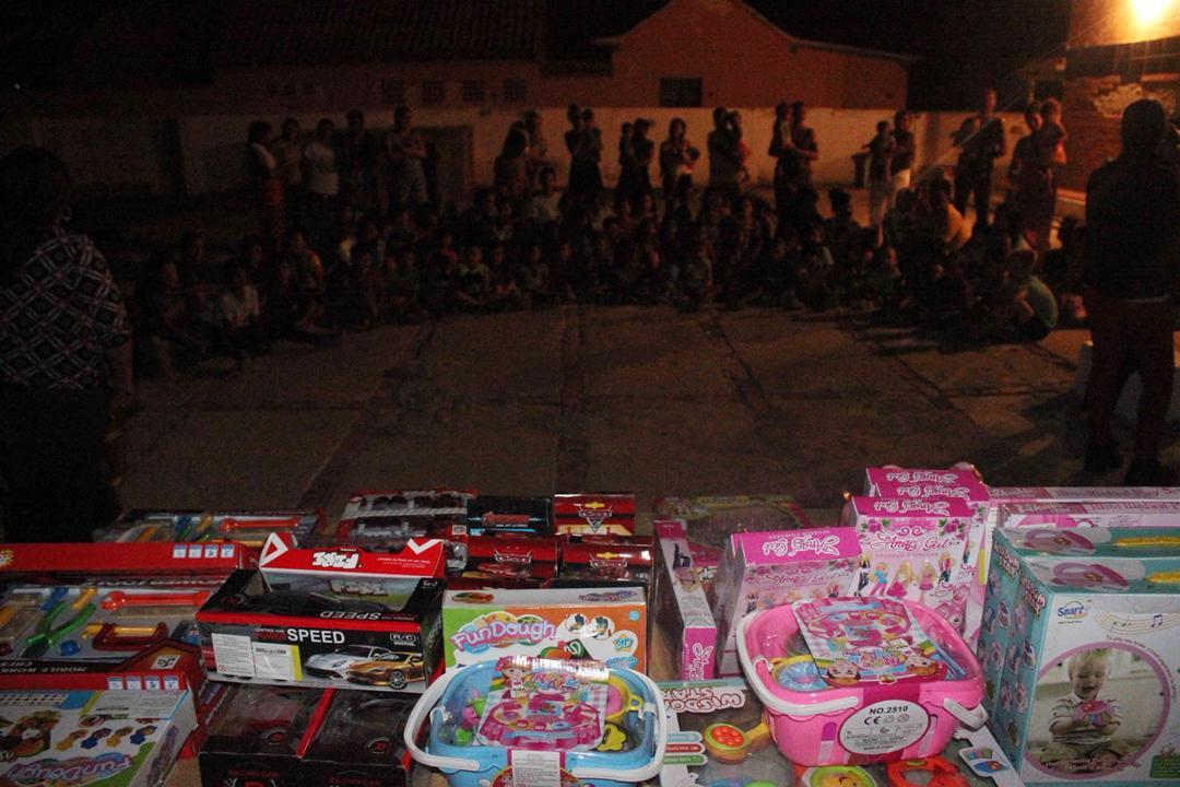 Con velada navideña en Isla de San Carlos niños disfrutaron de entrega de juguetes (12)