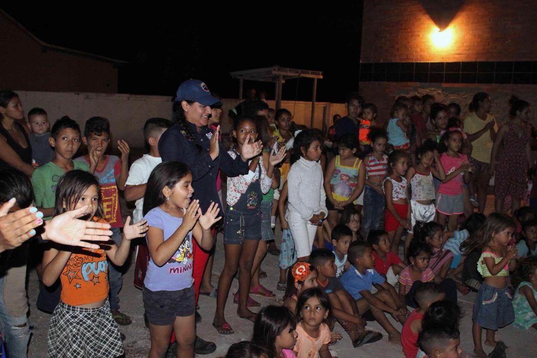 Con velada navideña en Isla de San Carlos niños disfrutaron de entrega de juguetes (15)