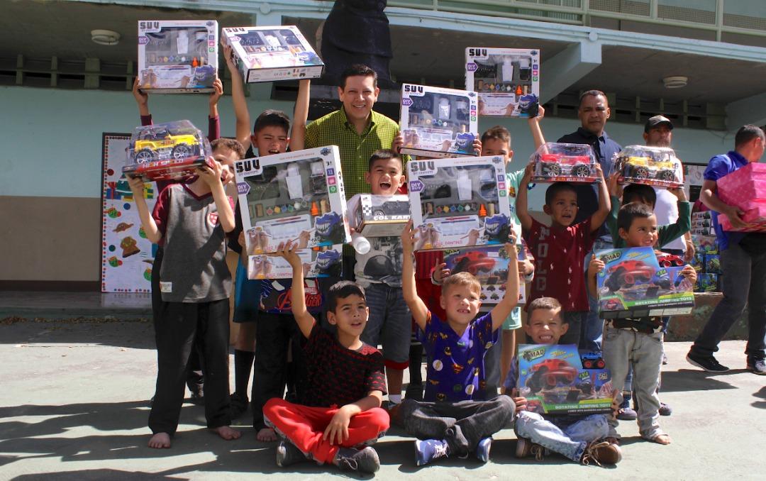 Gmcp entregó juguetes a más de 145 niños y niñas de La Vega (2)