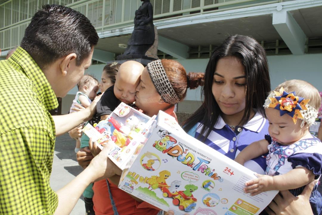 Gmcp entregó juguetes a más de 145 niños y niñas de La Vega (3)