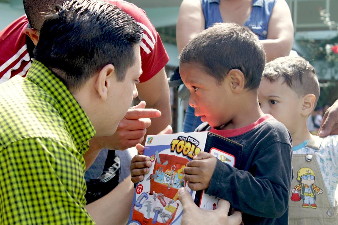 Gmcp entregó juguetes a más de 145 niños y niñas de La Vega (8)