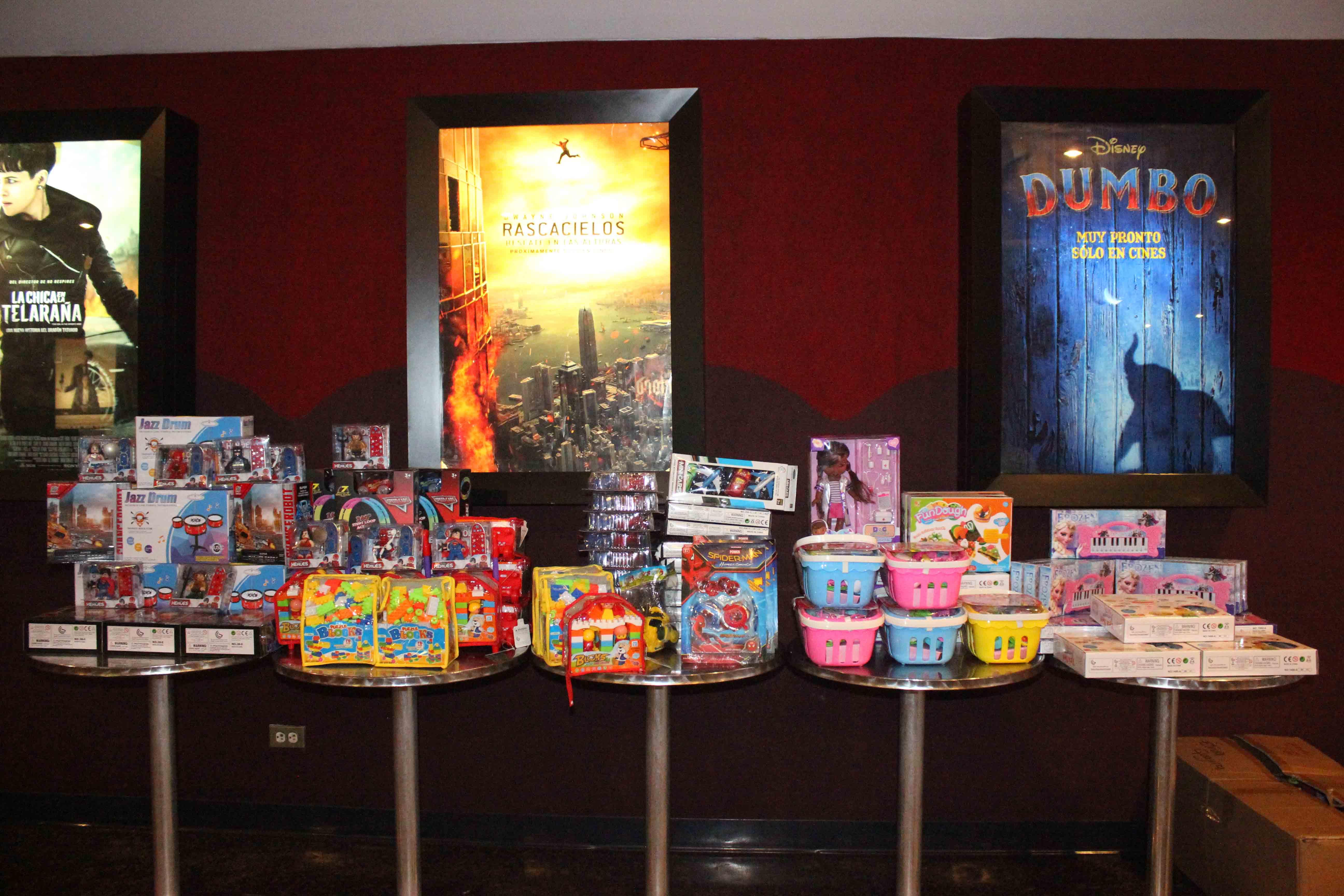 Gmcp garantiza Navidades Felices a través de cine-foro y entrega de juguetes (14)