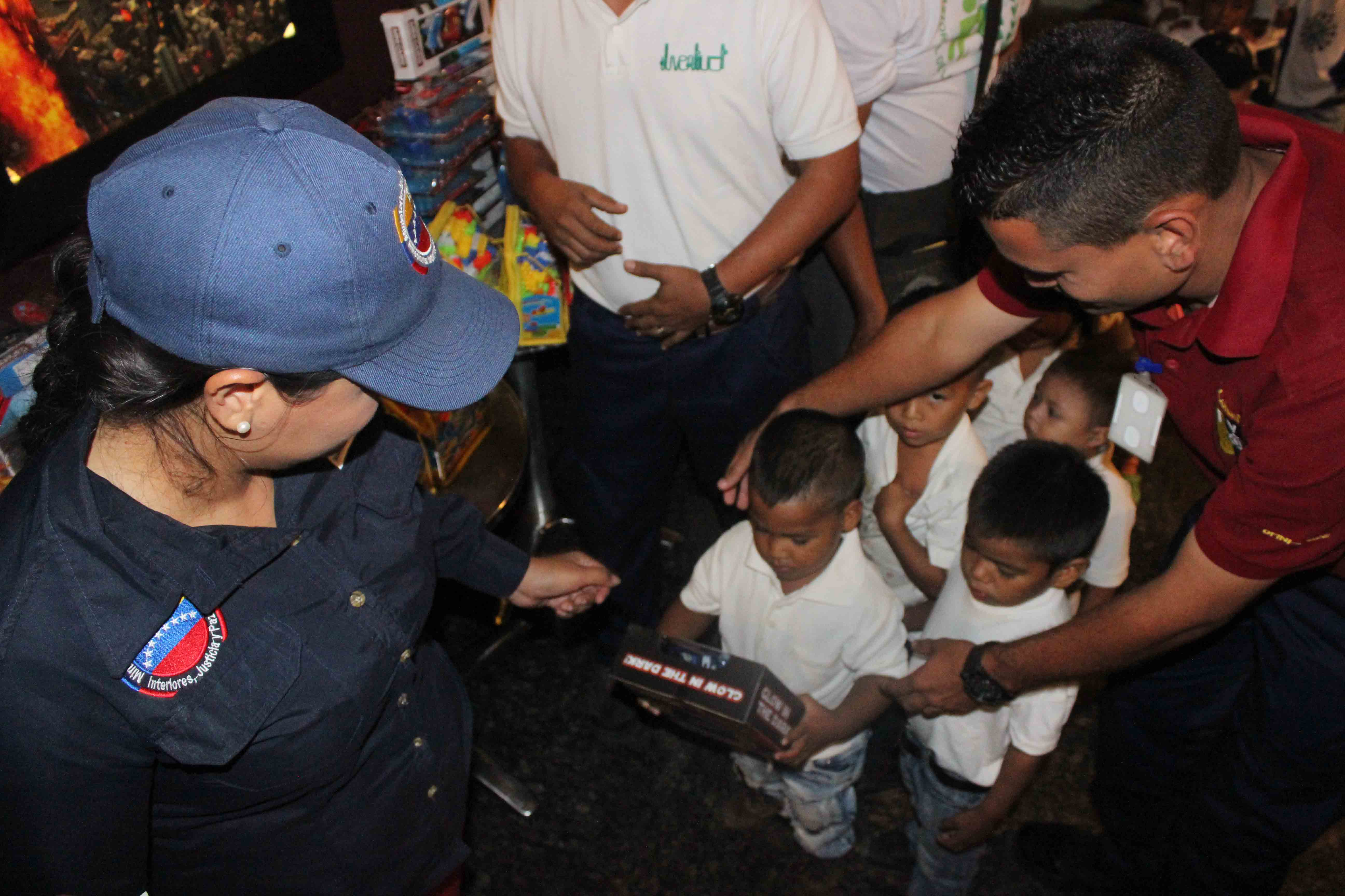 Gmcp garantiza Navidades Felices a través de cine-foro y entrega de juguetes (15)