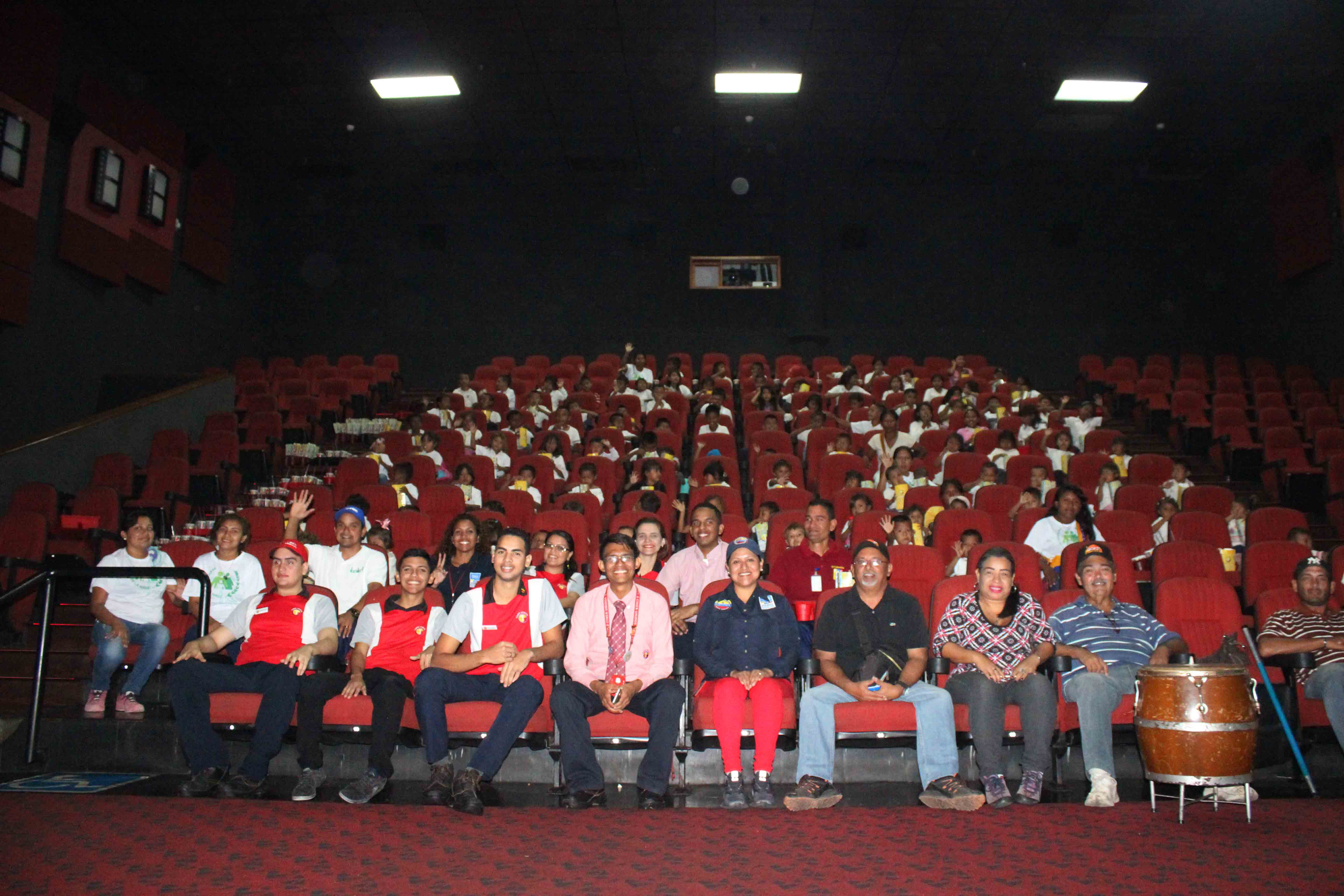 Gmcp garantiza Navidades Felices a través de cine-foro y entrega de juguetes (17)