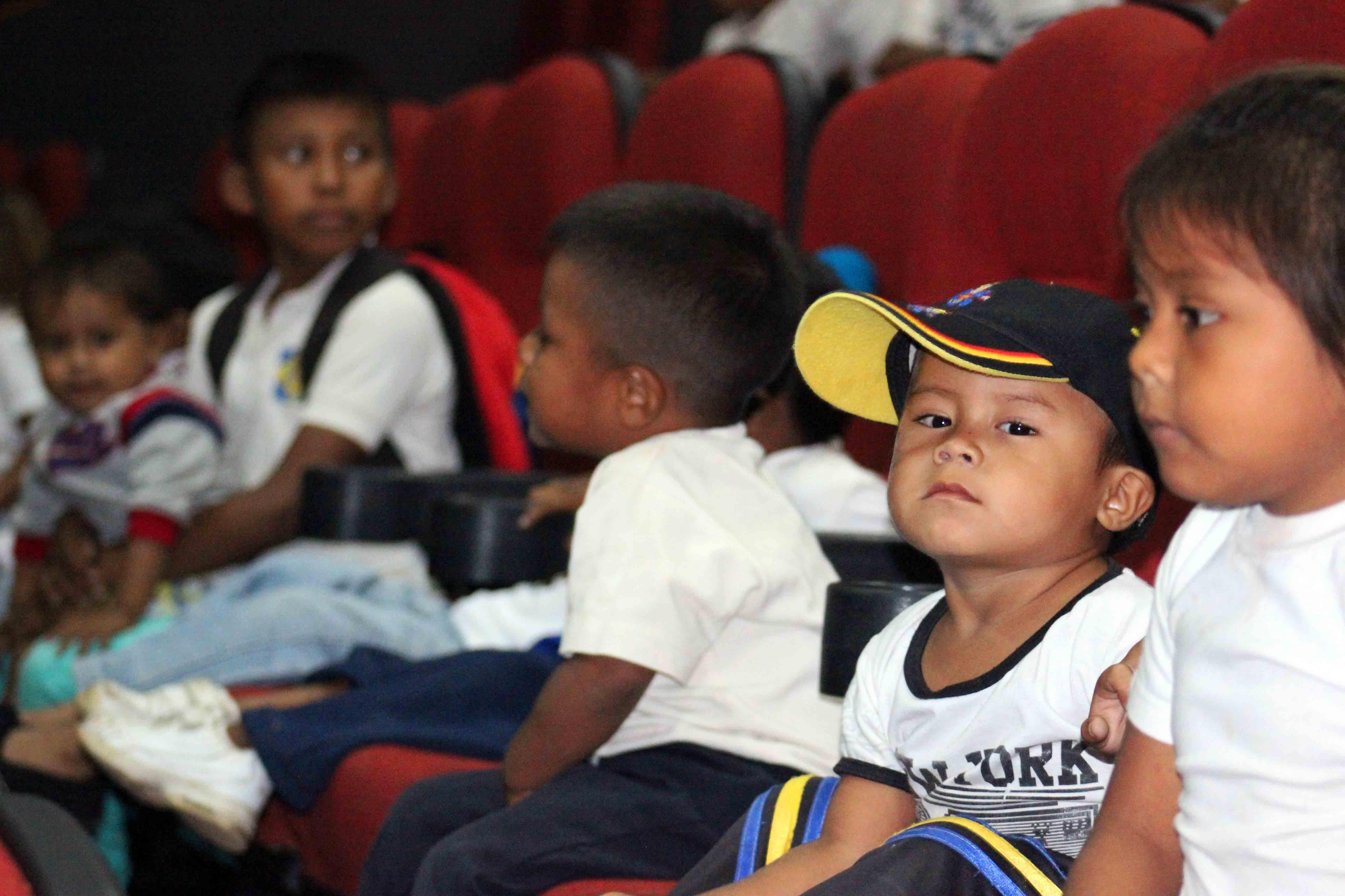 Gmcp garantiza Navidades Felices a través de cine-foro y entrega de juguetes (3)