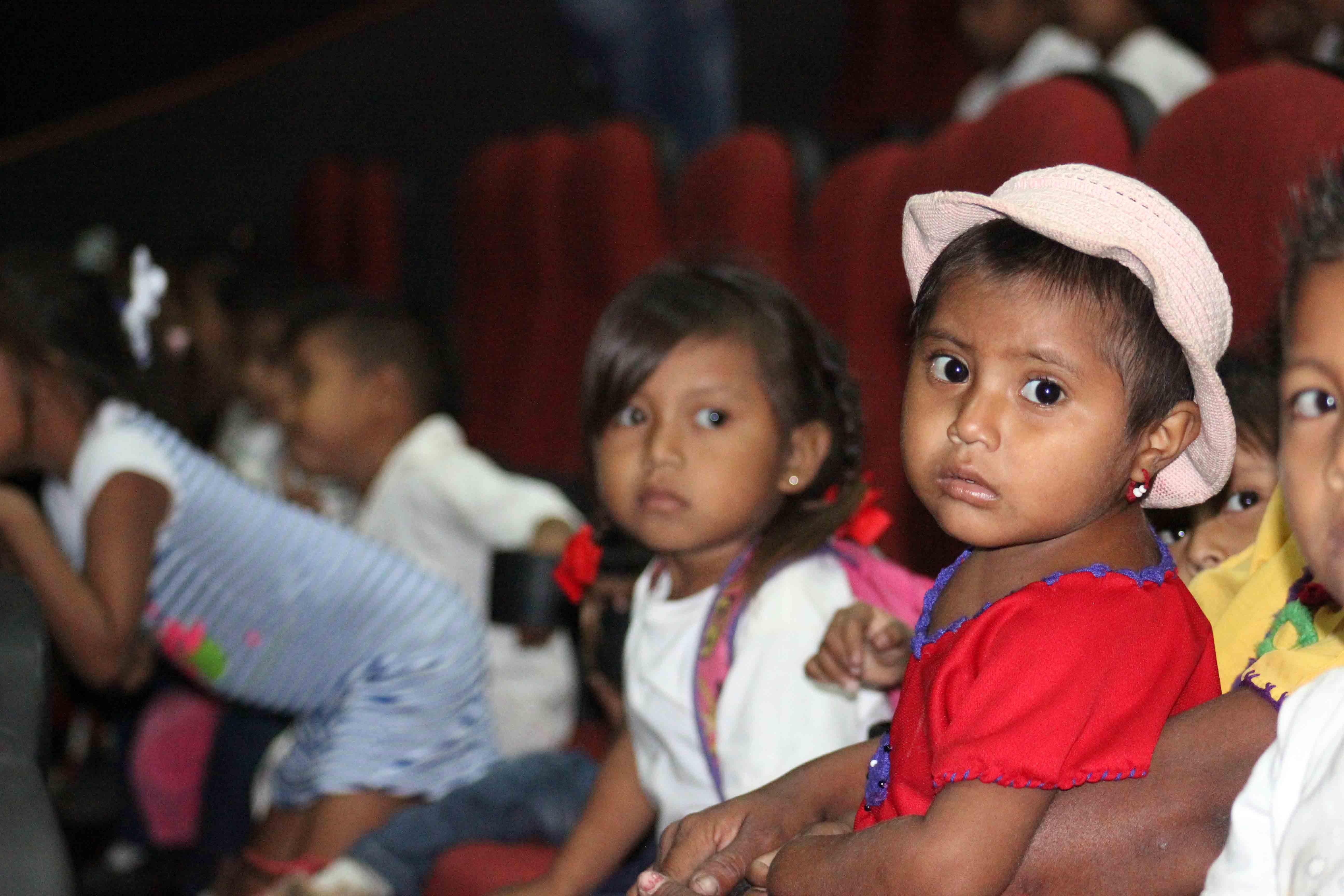 Gmcp garantiza Navidades Felices a través de cine-foro y entrega de juguetes (7)
