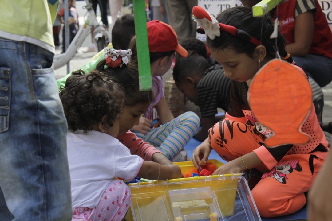 Gmcp regaló juguetes a 200 niños y niñas de la parroquia La Candelaria (1)