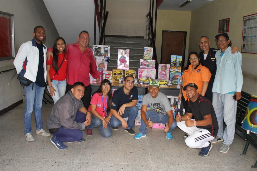 Gmcp regaló juguetes a 200 niños y niñas de la parroquia La Candelaria (4)