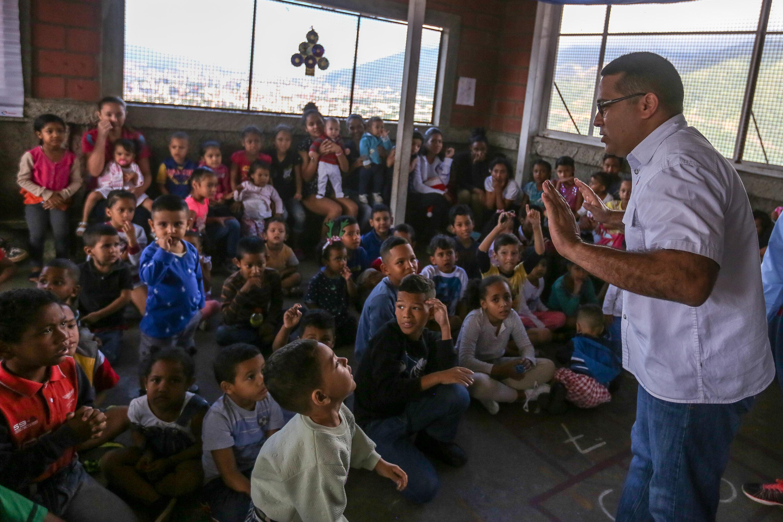 Más de 150 juguetes fueron entregados en la parroquia Petare (17)