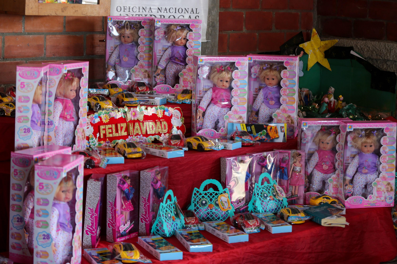 Más de 150 juguetes fueron entregados en la parroquia Petare (9)