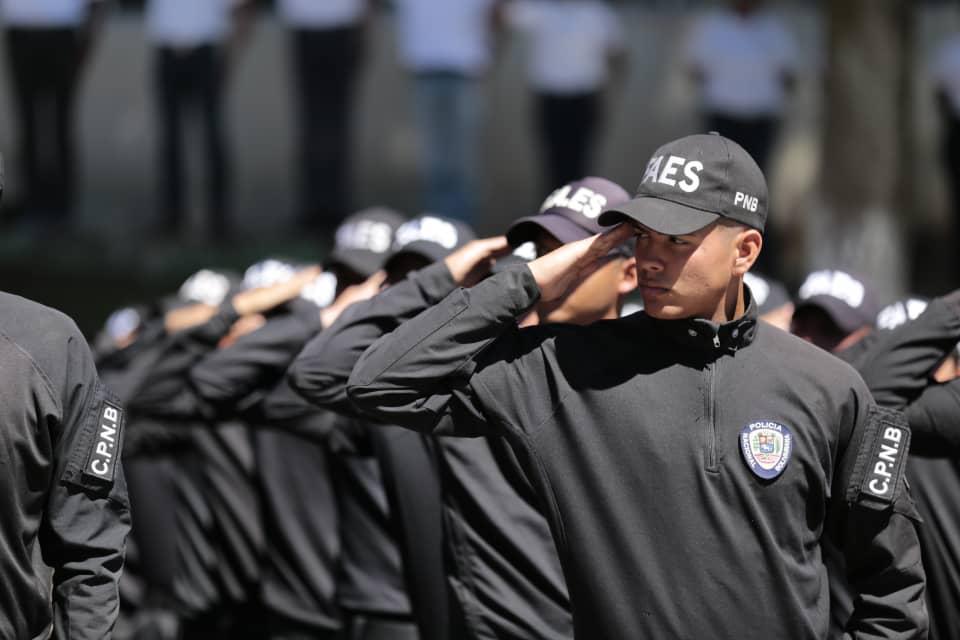 Más de 200 funcionarios Faes graduados para fortalecer la seguridad en el país (10)