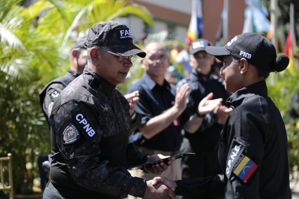 Más de 200 funcionarios Faes graduados para fortalecer la seguridad en el país (2)