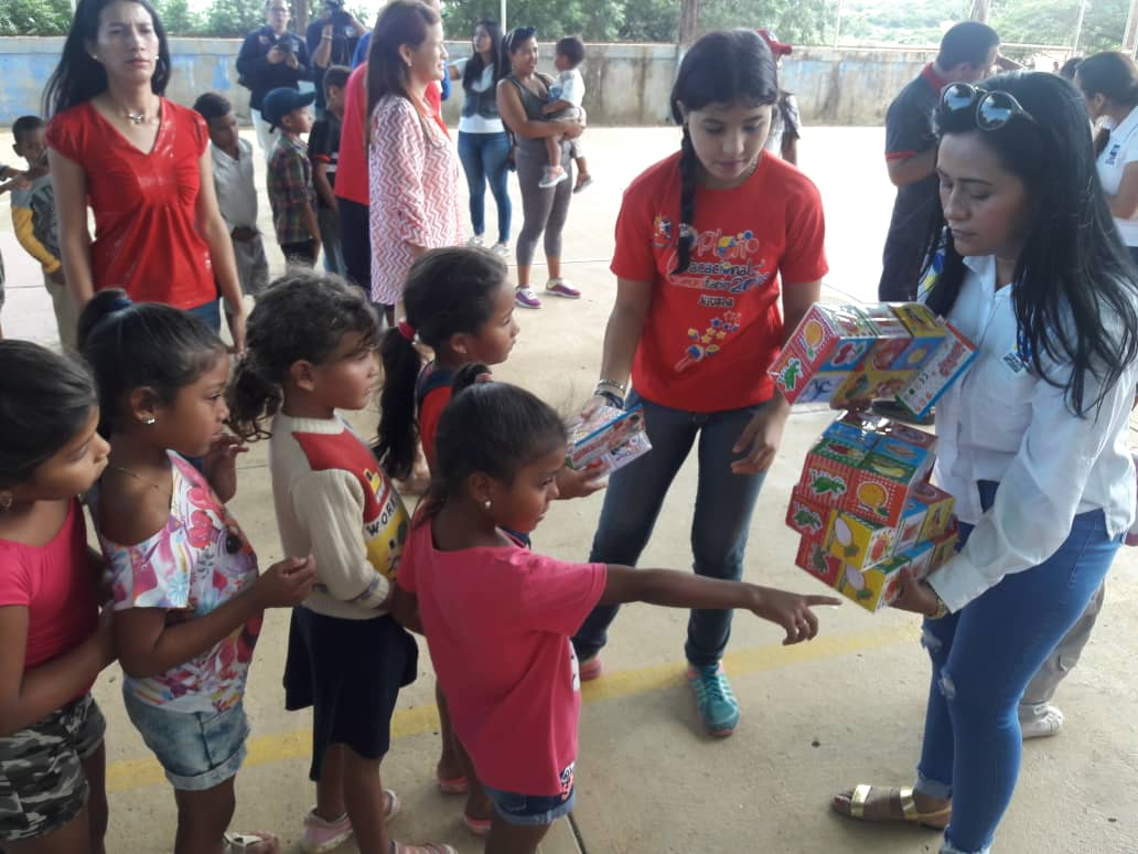 ONA lleva un mensaje de Navidad para los niños y niñas del estado Falcón (4)