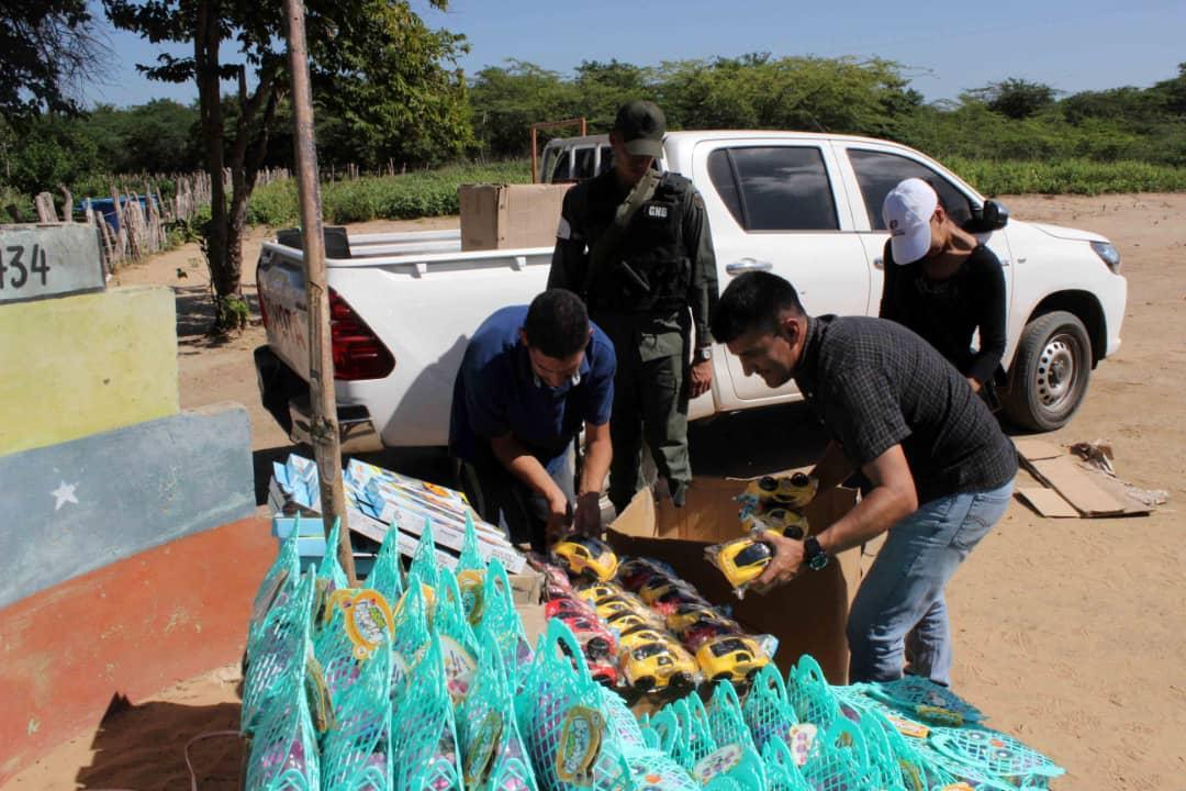 Poblaciones fronterizas e indígenas del Zulia celebraron la Navidad recibiendo regalos (16)