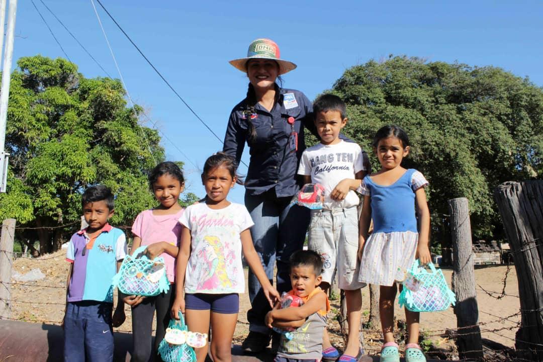 Poblaciones fronterizas e indígenas del Zulia celebraron la Navidad recibiendo regalos (18)