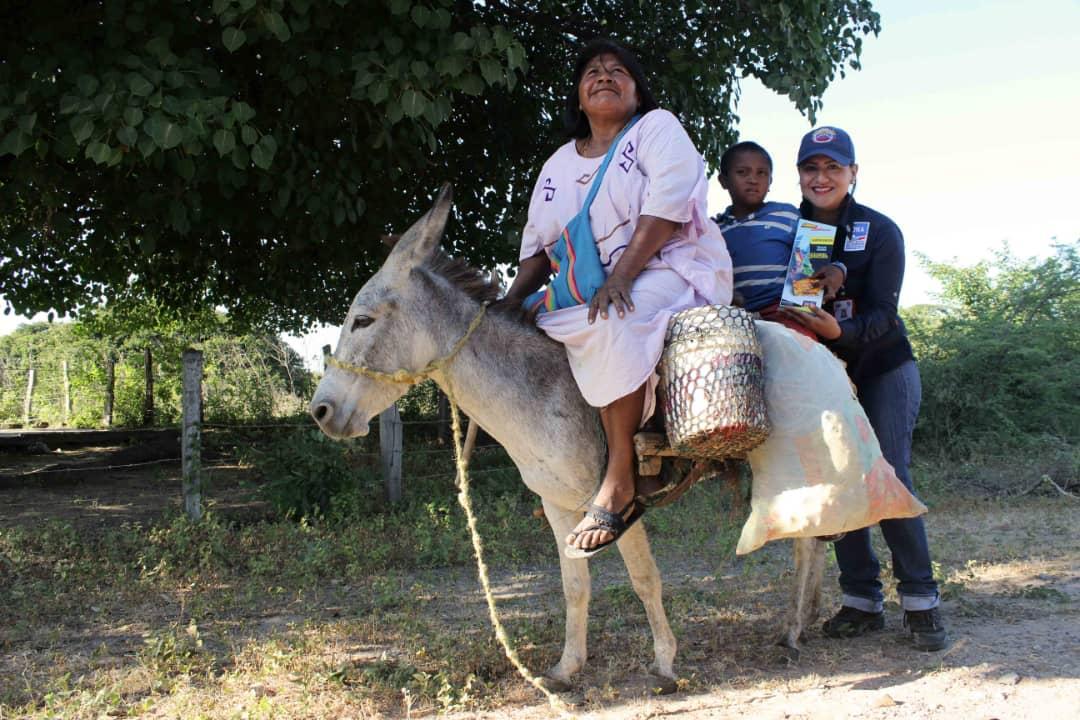 Poblaciones fronterizas e indígenas del Zulia celebraron la Navidad recibiendo regalos (20)