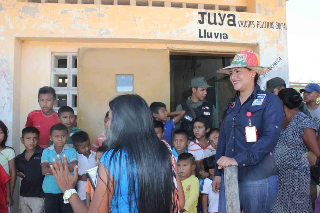 Poblaciones fronterizas e indígenas del Zulia celebraron la Navidad recibiendo regalos (3)