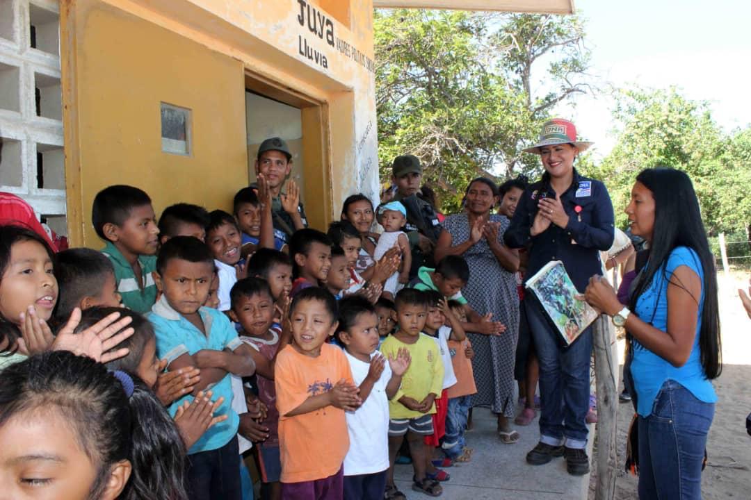 Poblaciones fronterizas e indígenas del Zulia celebraron la Navidad recibiendo regalos (4)