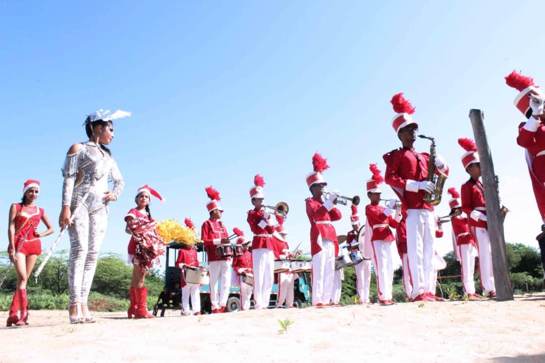Poblaciones fronterizas e indígenas del Zulia celebraron la Navidad recibiendo regalos (7)
