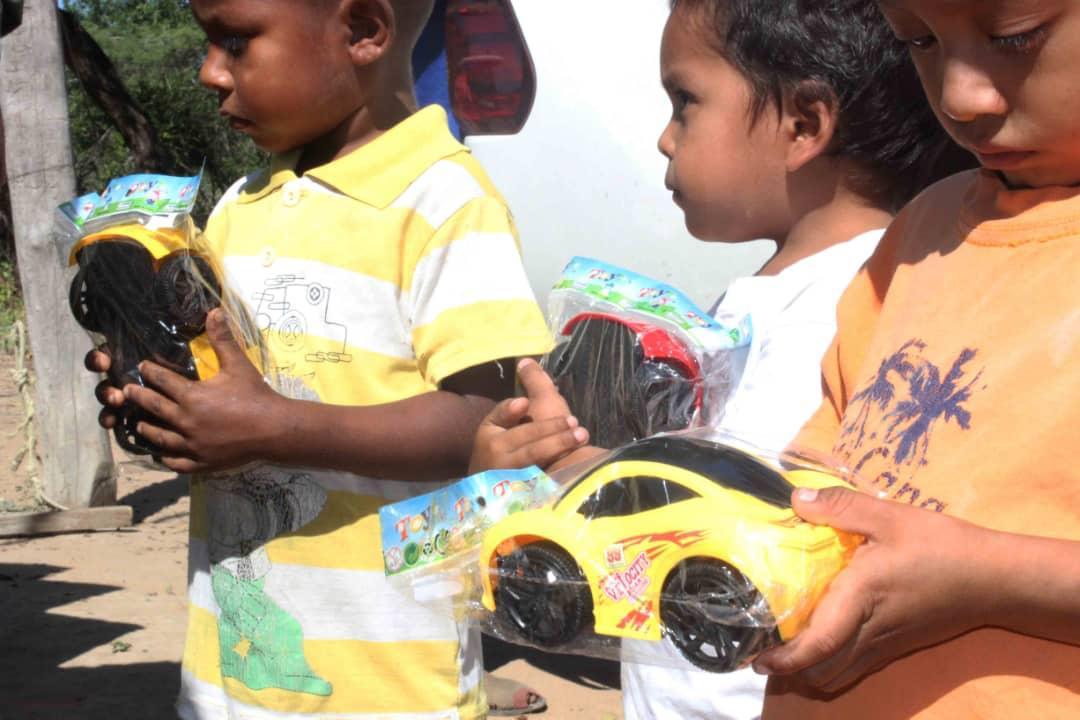 Poblaciones fronterizas e indígenas del Zulia celebraron la Navidad recibiendo regalos (8)