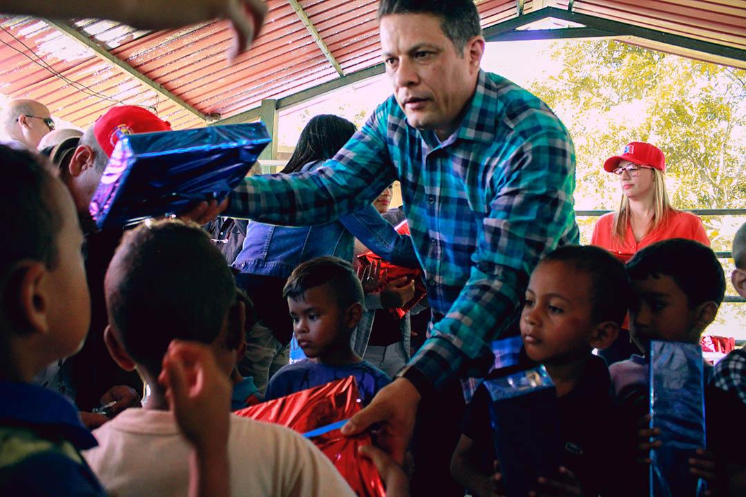 Saime entregó regalos a más de 400 niños del estado Aragua (4)