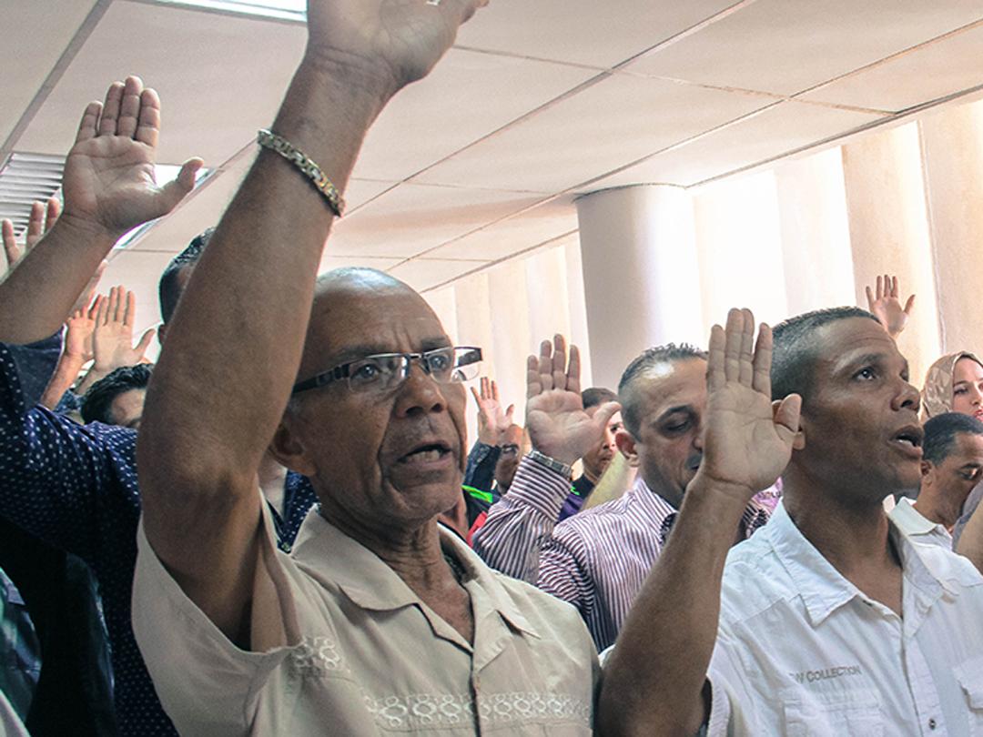 Saime naturalizó como venezolanos a más de 300 extranjeros