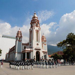Delegación de Osetia del Sur en el Mausoleo El Libertador (2)